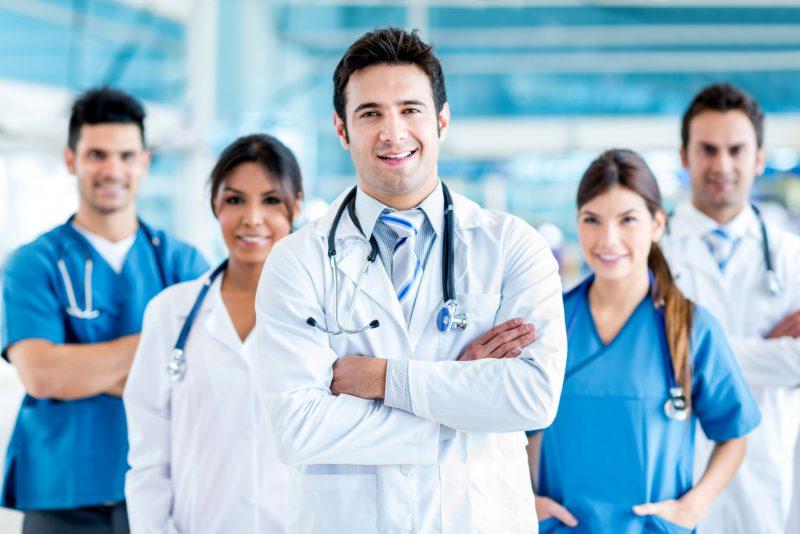 medicos 1 800x534 - Irish Work Permit: agora é a vez dos médicos