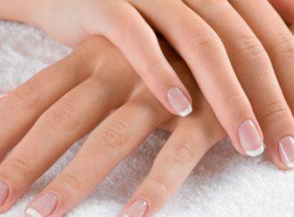 unha dermatologia 660x330 330x244 - As Unhas Refletem Doenças E Falta De Vitaminas No Seu Corpo